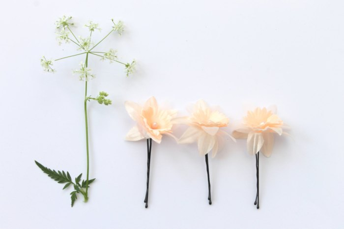 Peach flower hairpins