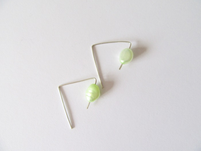 Green_rice_pearl_earrings026